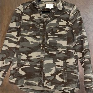 NWOT CAMO BUTTON UP JACKET!